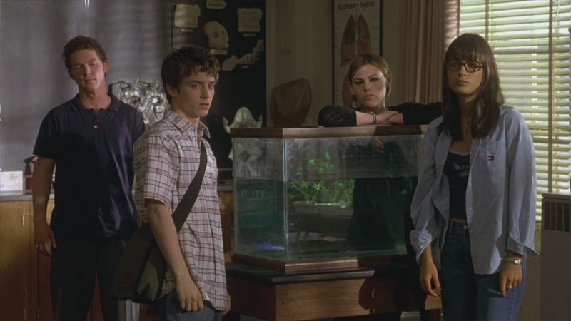 Tommy Hilfiger Men's Polo And Women's Shirt - The Faculty (1998) Movie Product Placement