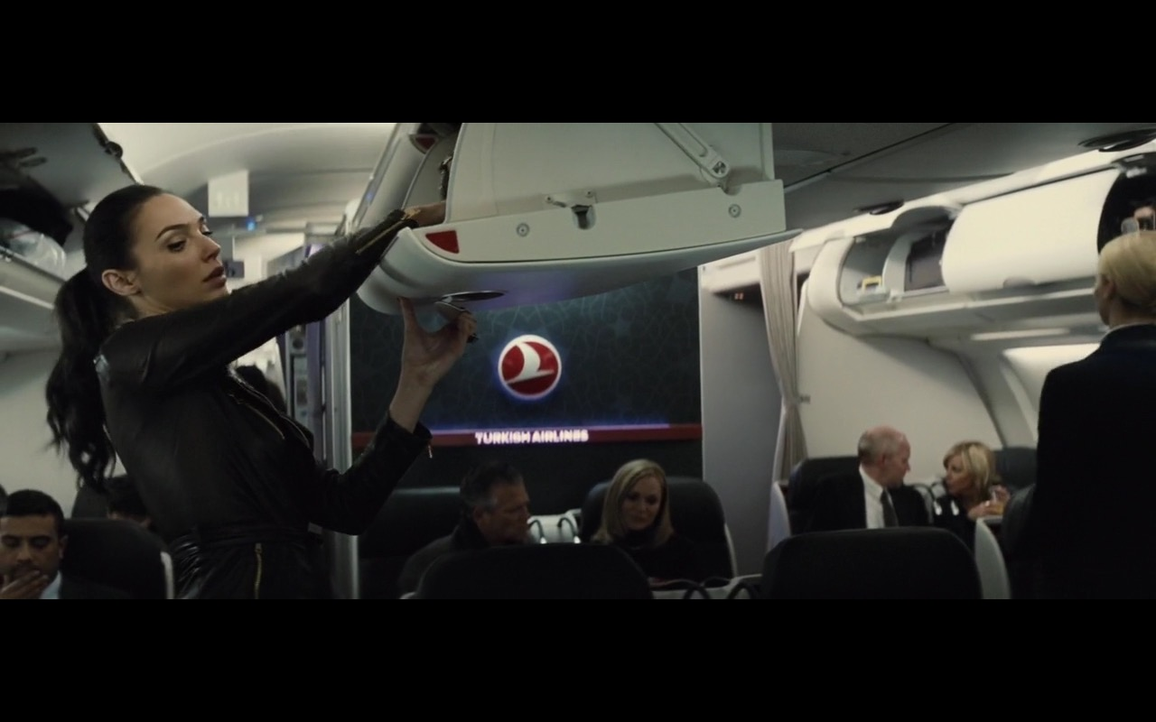Turkish Airlines – Batman v Superman: Dawn of Justice (2016) Movie Product Placement