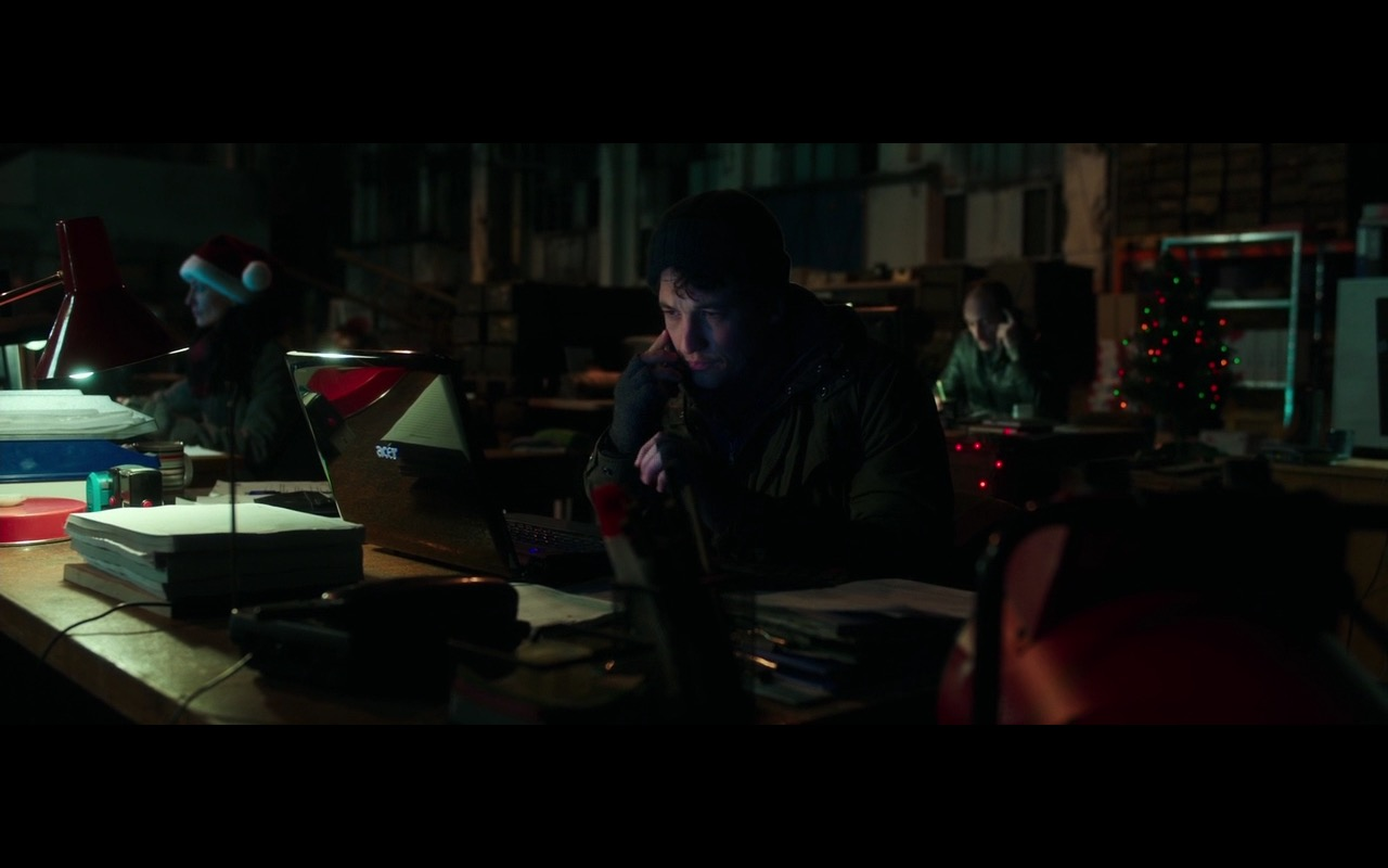 Acer Notebook - War Dogs (2016) Movie Product Placement