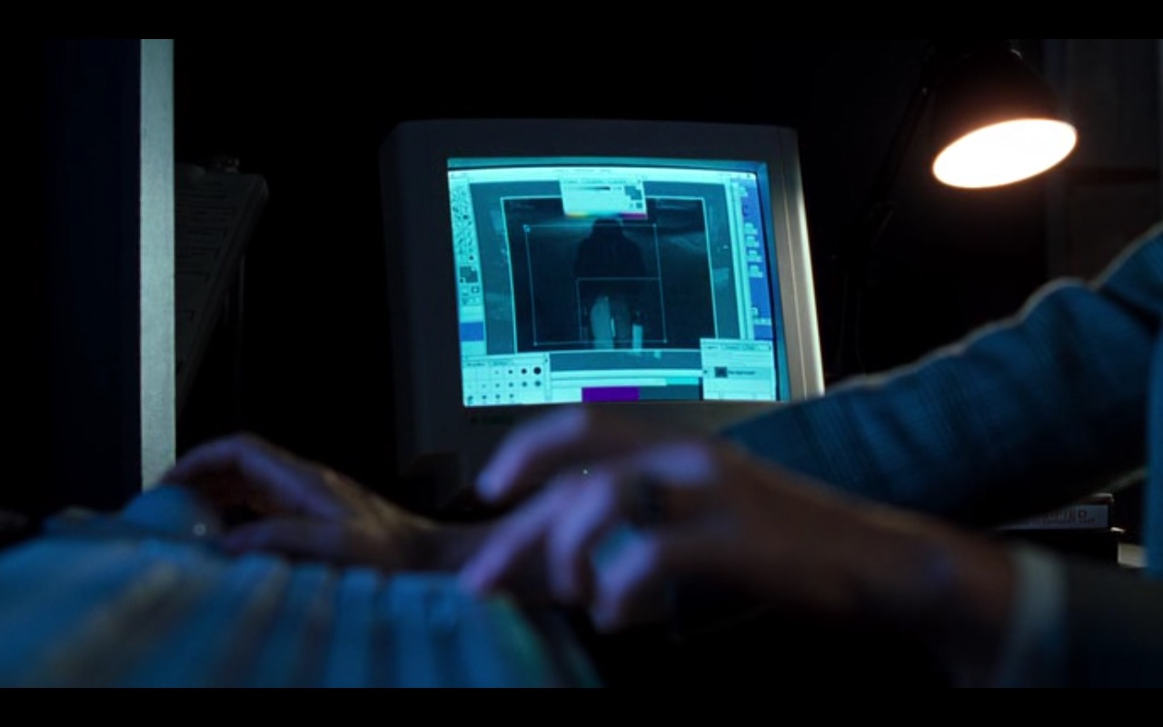 Apple Computer - U.S. Marshals (1998) Movie Product Placement