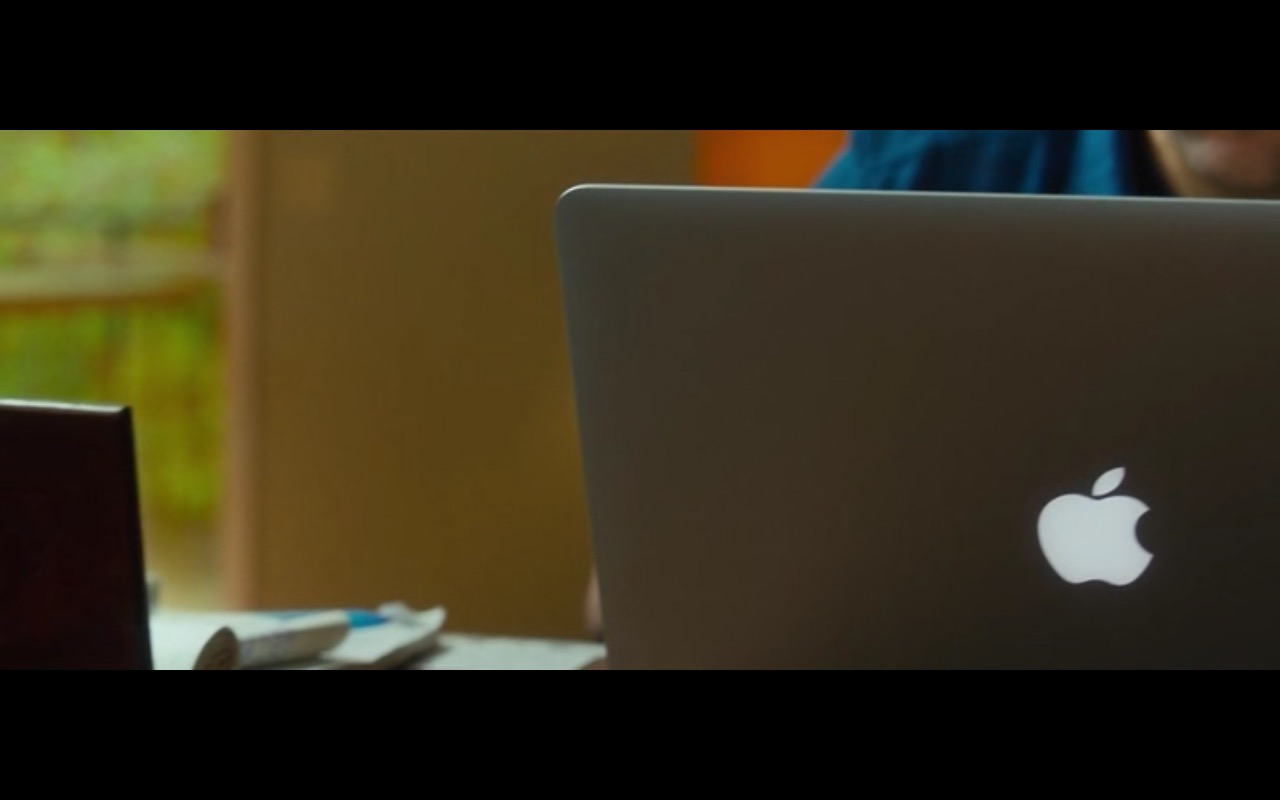 Apple MacBook Pro – The Fundamentals of Caring (2016) - Movie Product Placement