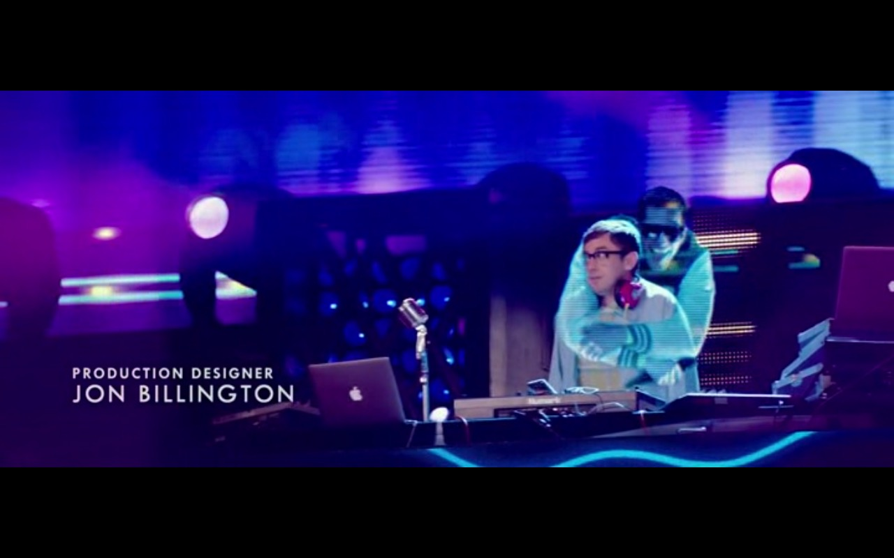 Apple MacBook Pro 15 - Popstar: Never Stop Never Stopping (2016) - Movie Product Placement
