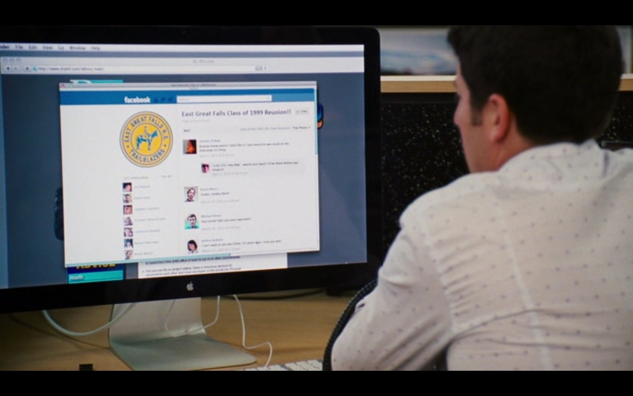 Apple Thunderbolt Display and Facebook – American Reunion (2012) - Movie Product Placement