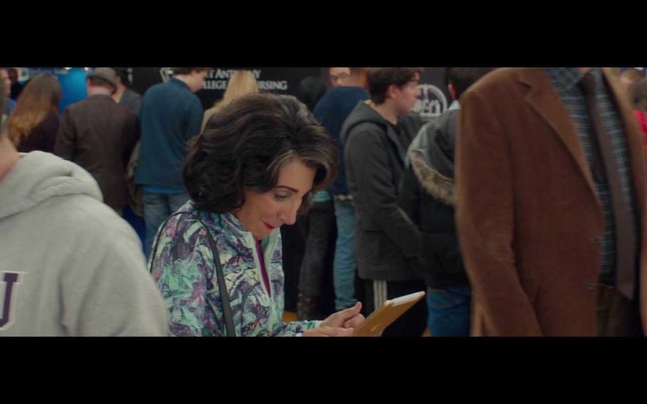 Apple iPad Mini (Gold) - My Big Fat Greek Wedding 2 (2016) - Movie Product Placement