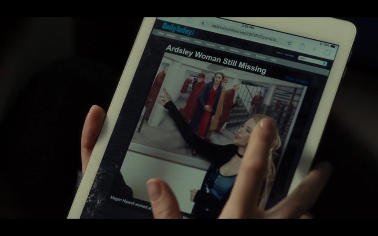 Apple iPad - The Girl on the Train (2016) - Movie Product Placement