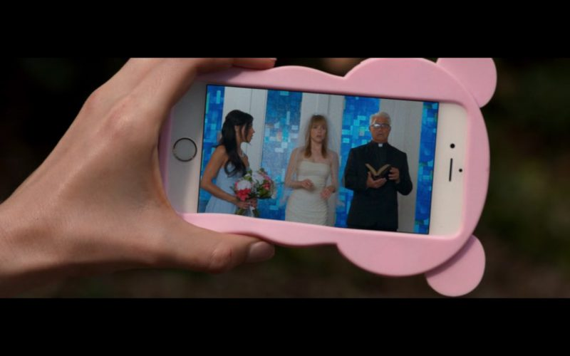 Apple iPhone 6/6s – Mike and Dave Need Wedding Dates (2016) Movie Product Placement
