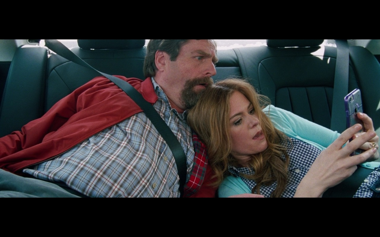 Apple iPhone 6/6S – Keeping Up with the Joneses (2016) Movie Product Placement