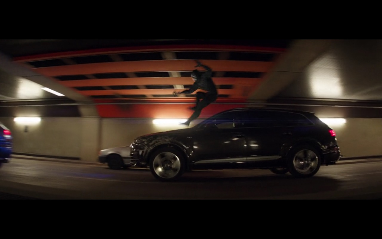 Black Audi RS7 - Captain America: Civil War (2016) - Movie Product Placement