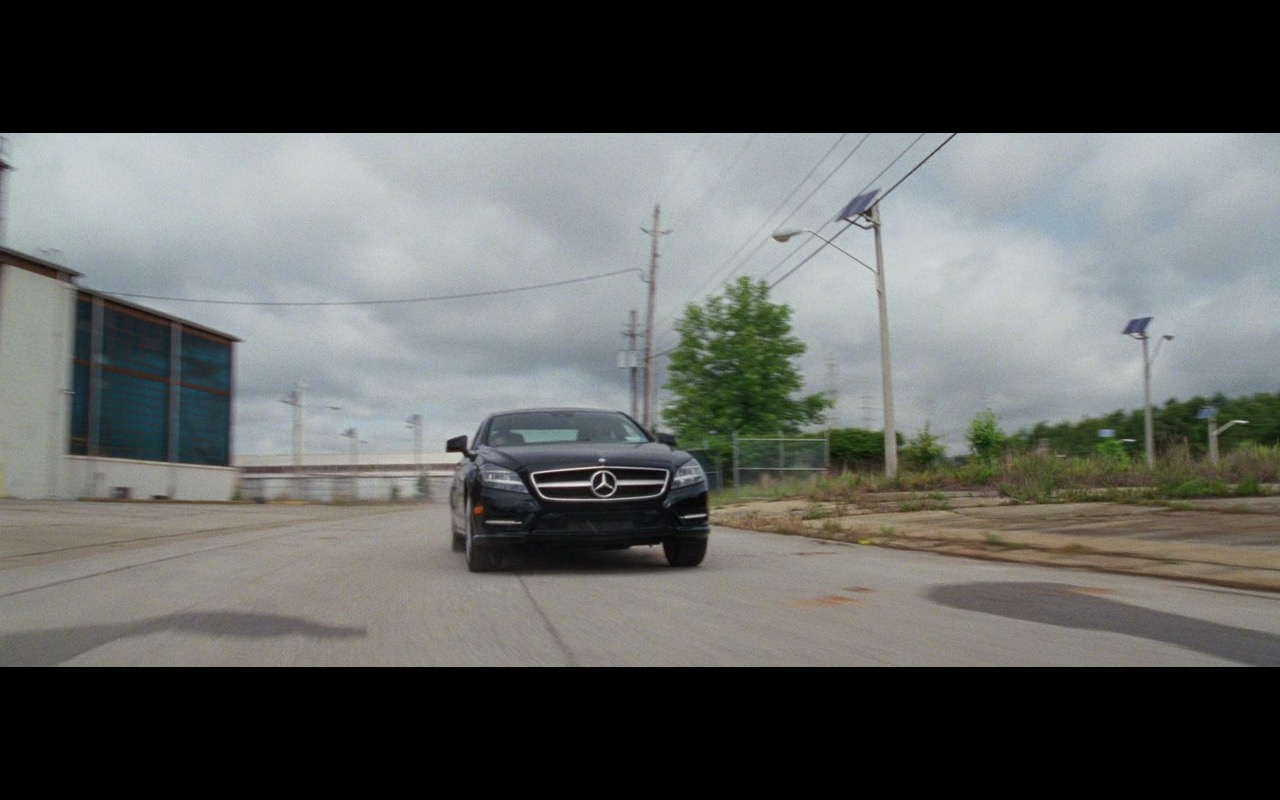 Black Mercedes-Benz CLS 550 – Keeping Up with the Joneses (2016) - Movie Product Placement