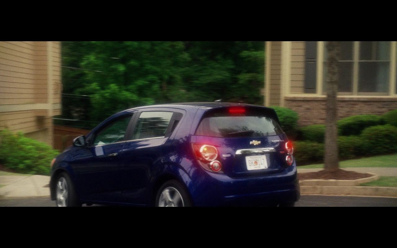 Blue Chevrolet Sonic LTZ - Keeping Up with the Joneses (2016) - Movie Product Placement