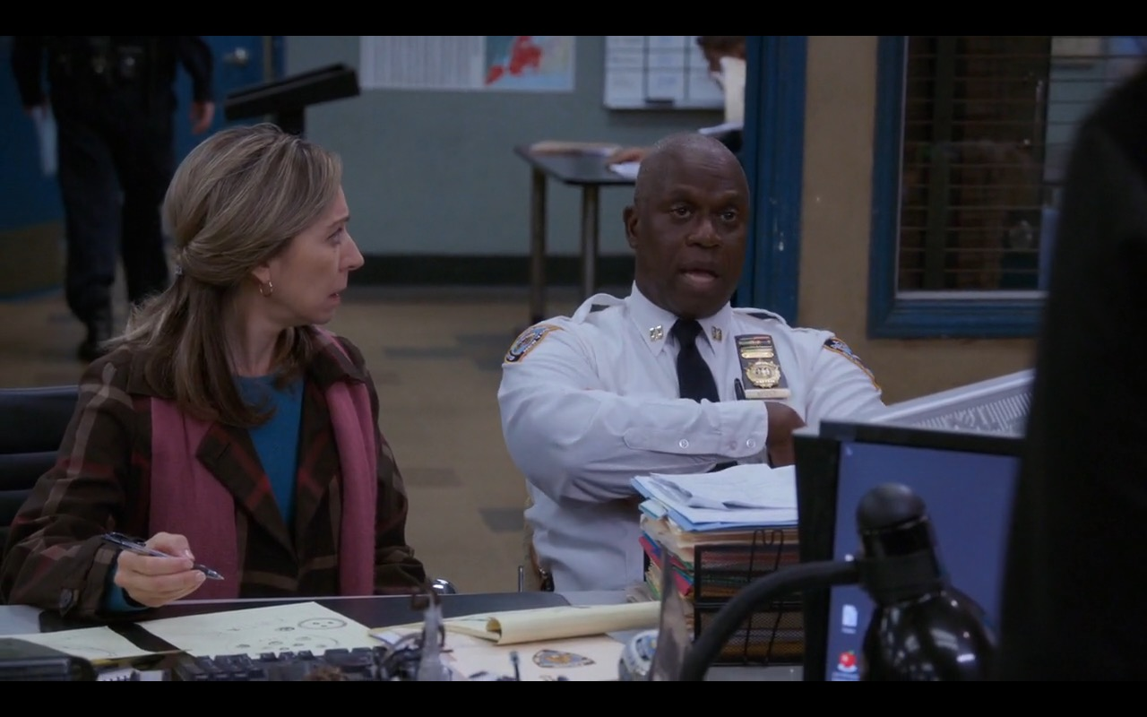 Dell Monitors - Brooklyn Nine-Nine - TV Show Product Placement
