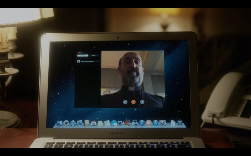 MacBook Air – The Young Pope