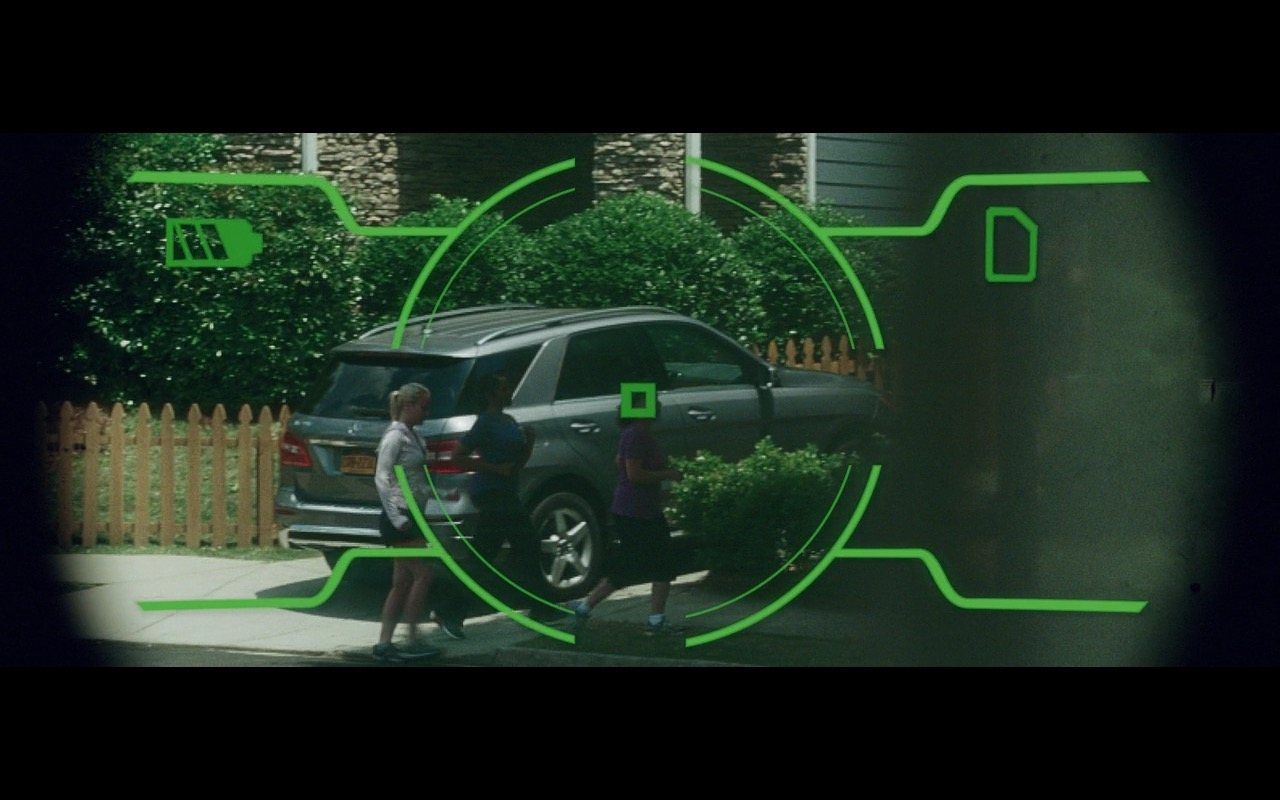 Mercedes-Benz ML  – Keeping Up with the Joneses (2016) Movie Product Placement