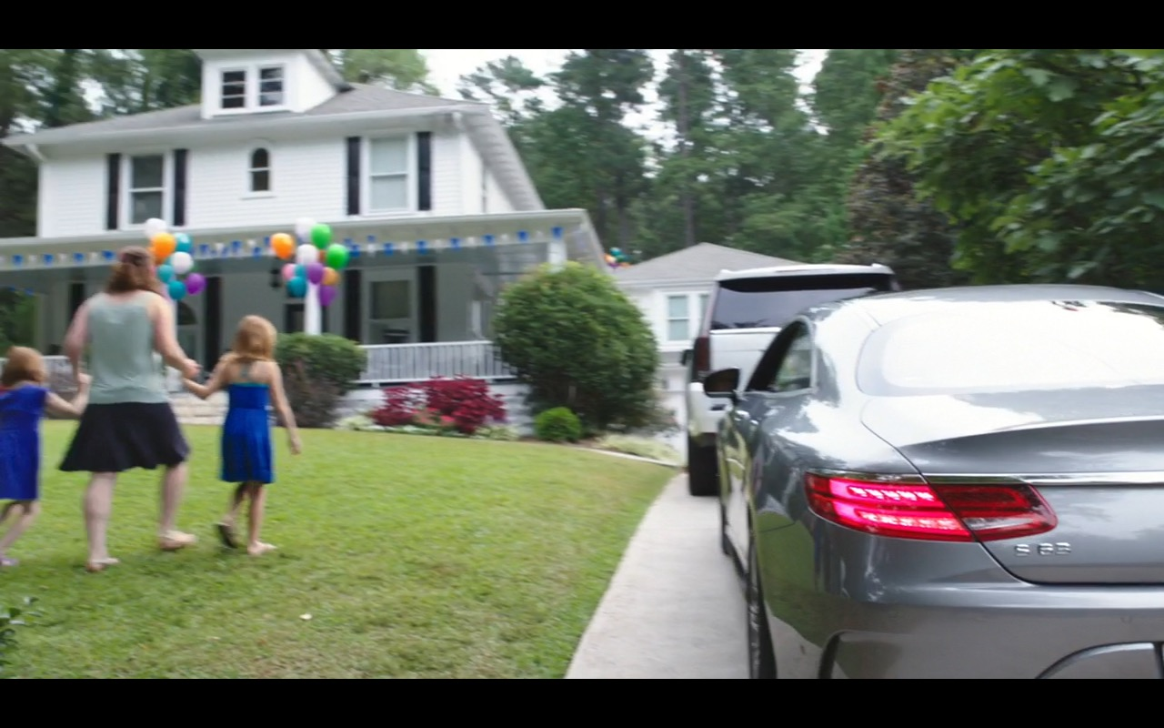 Mercedes-Benz S-Class Coupe – Mother's Day (2016) - Movie Product Placement