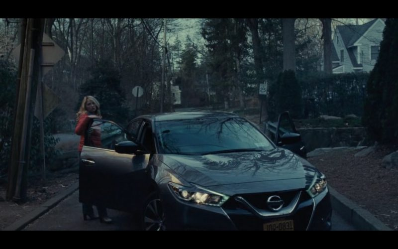 Nissan Maxima – The Girl on the Train (1)