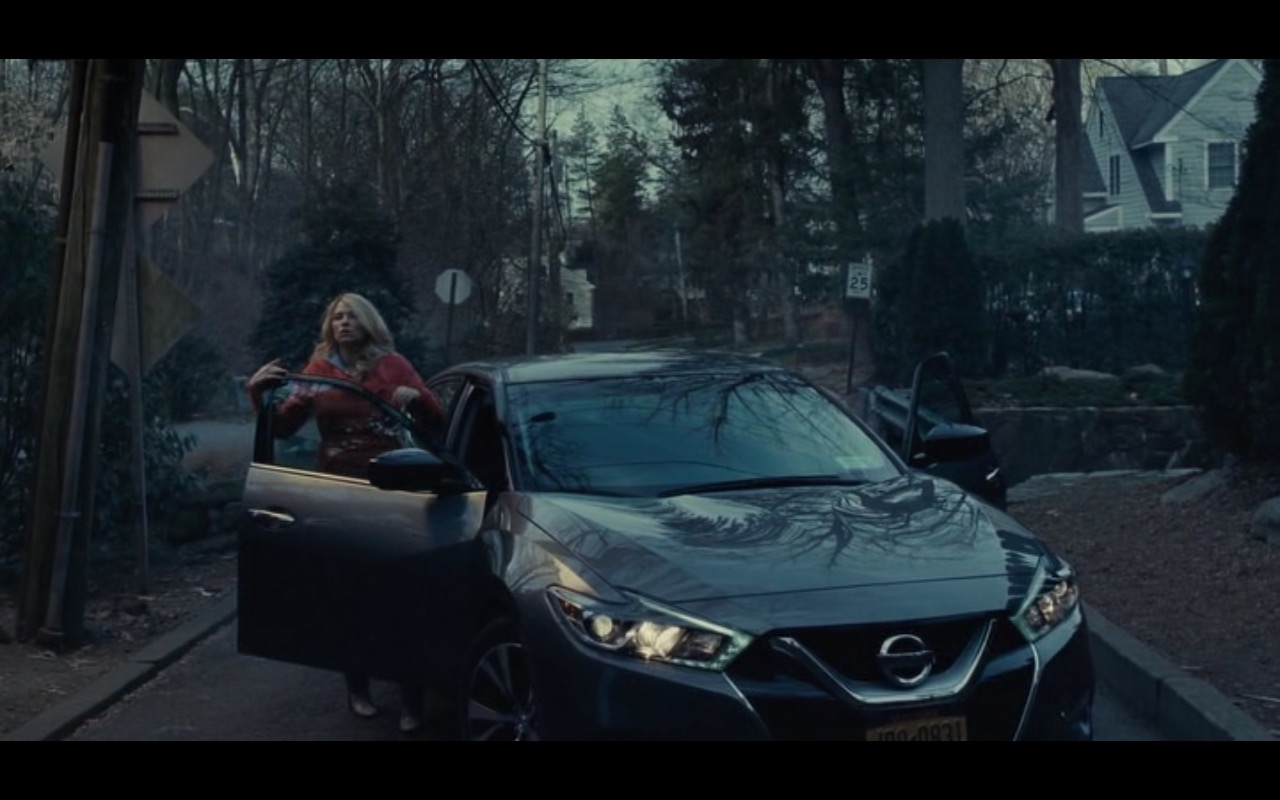 Nissan Maxima - The Girl on the Train (2016) - Movie Product Placement