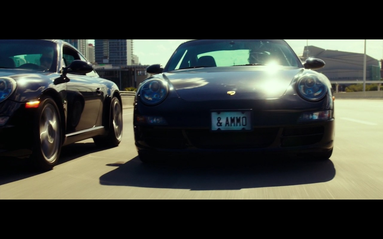 Porsche 911 Carrera - War Dogs (2016) - Movie Product Placement