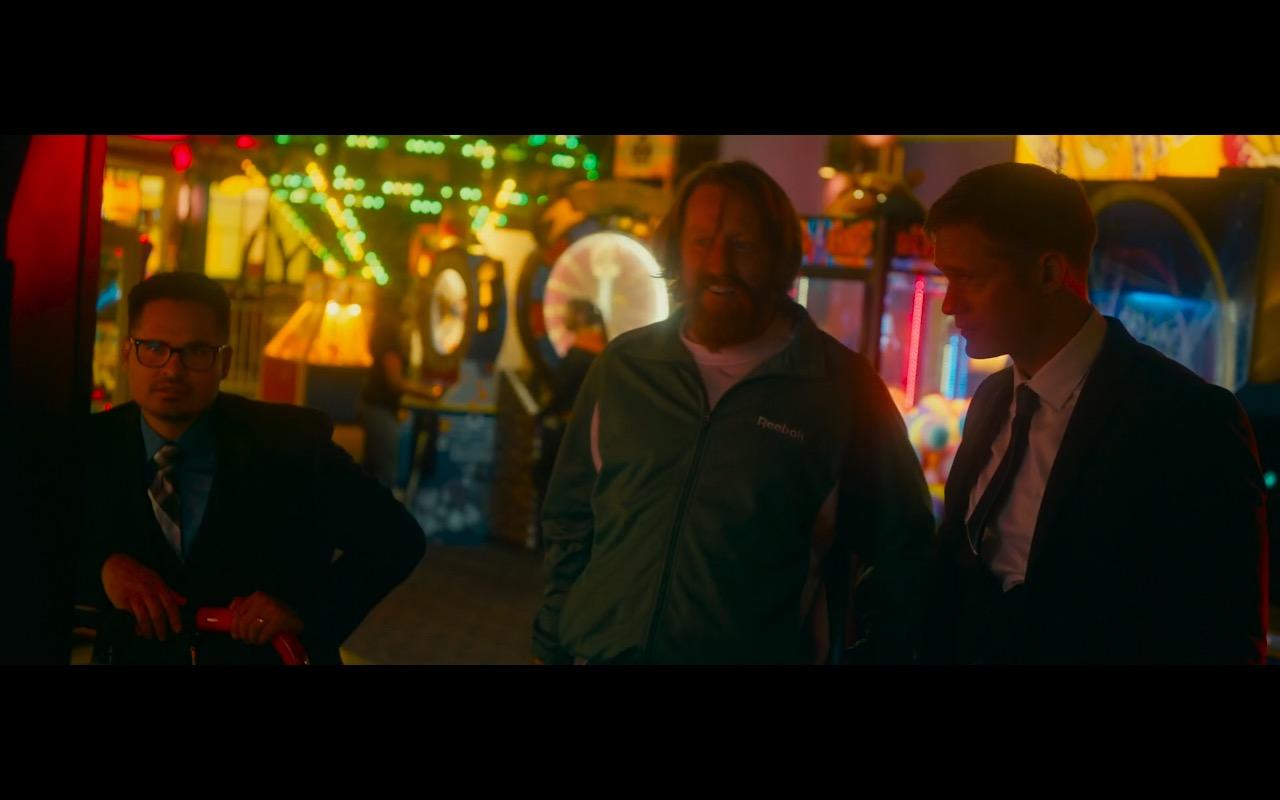 Reebok Men's Green Sportswear – War on Everyone (2016) Movie Product Placement