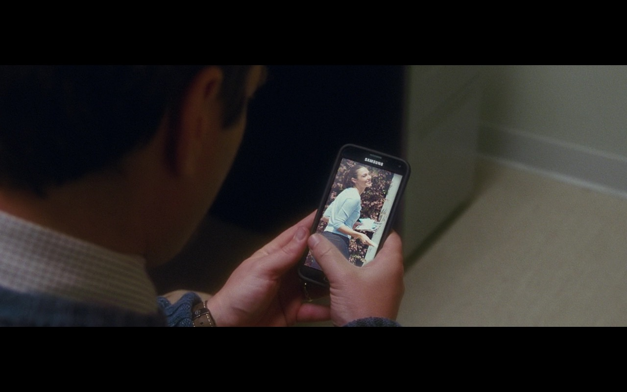 Samsung Smartphone - Keeping Up with the Joneses (2016) Movie