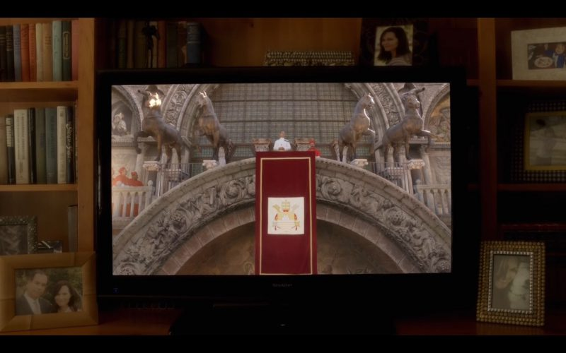 Sharp TV – The Young Pope