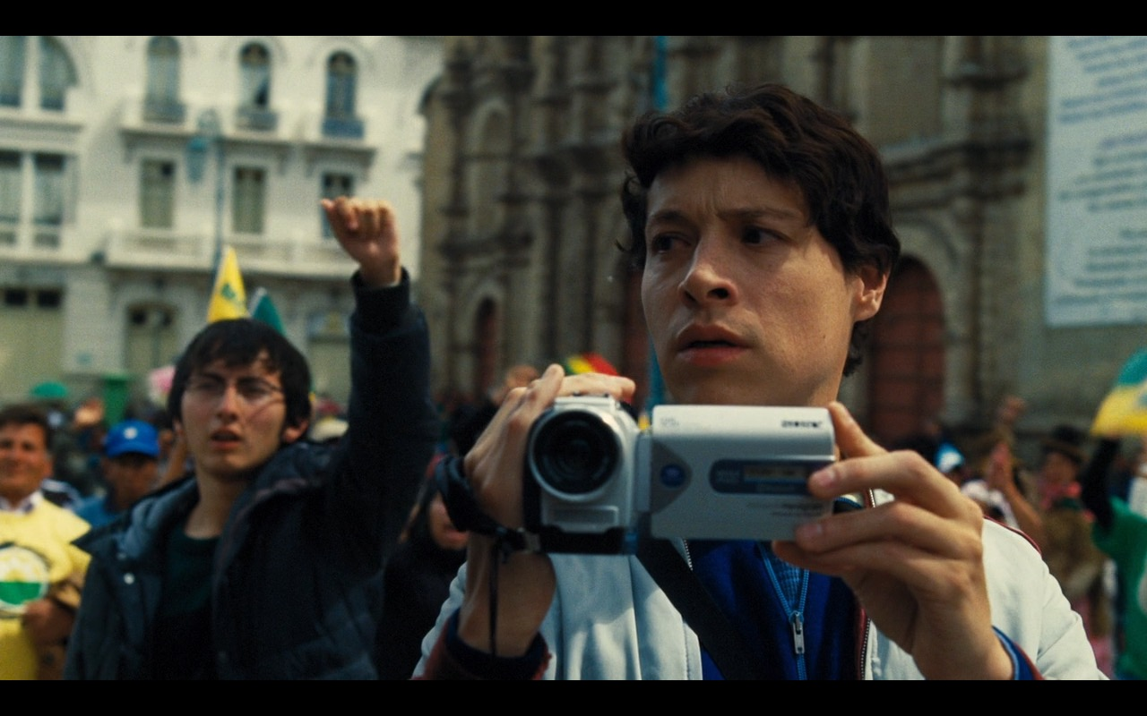 Sony Camcorder – Our Brand Is Crisis (2015) - Movie Product Placement