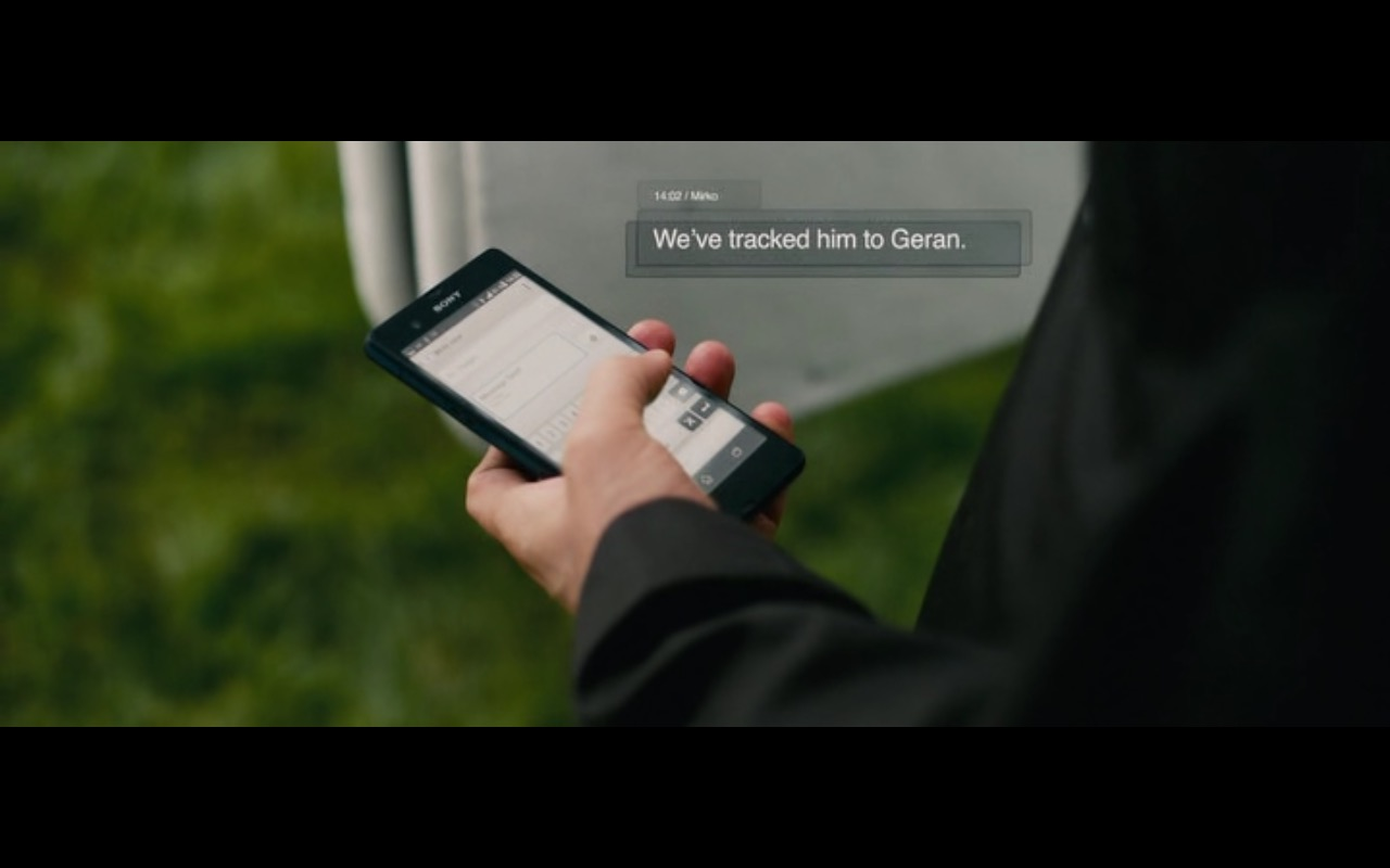 Sony Xperia Smartphone – Collide (2016) Movie Product Placement