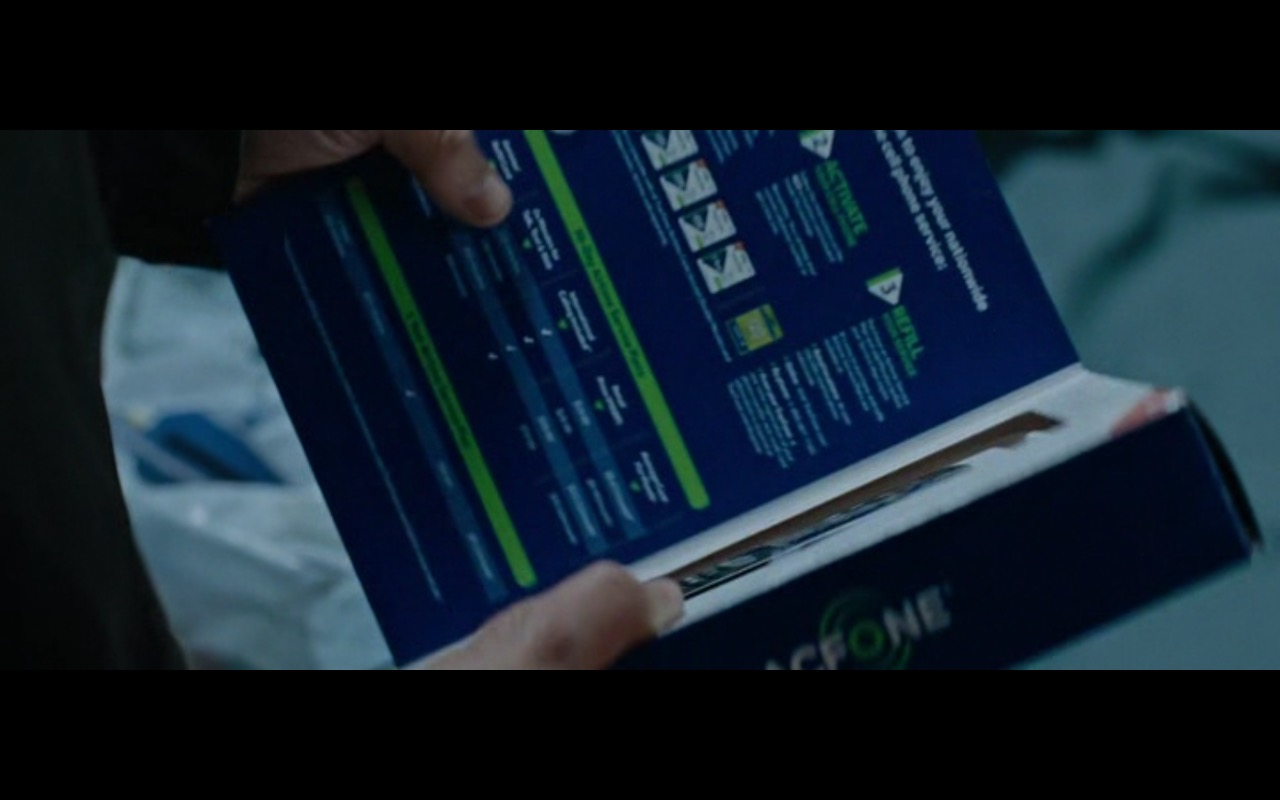 TracFone Phone – Jack Reacher: Never Go Back (2016) Movie Product Placement