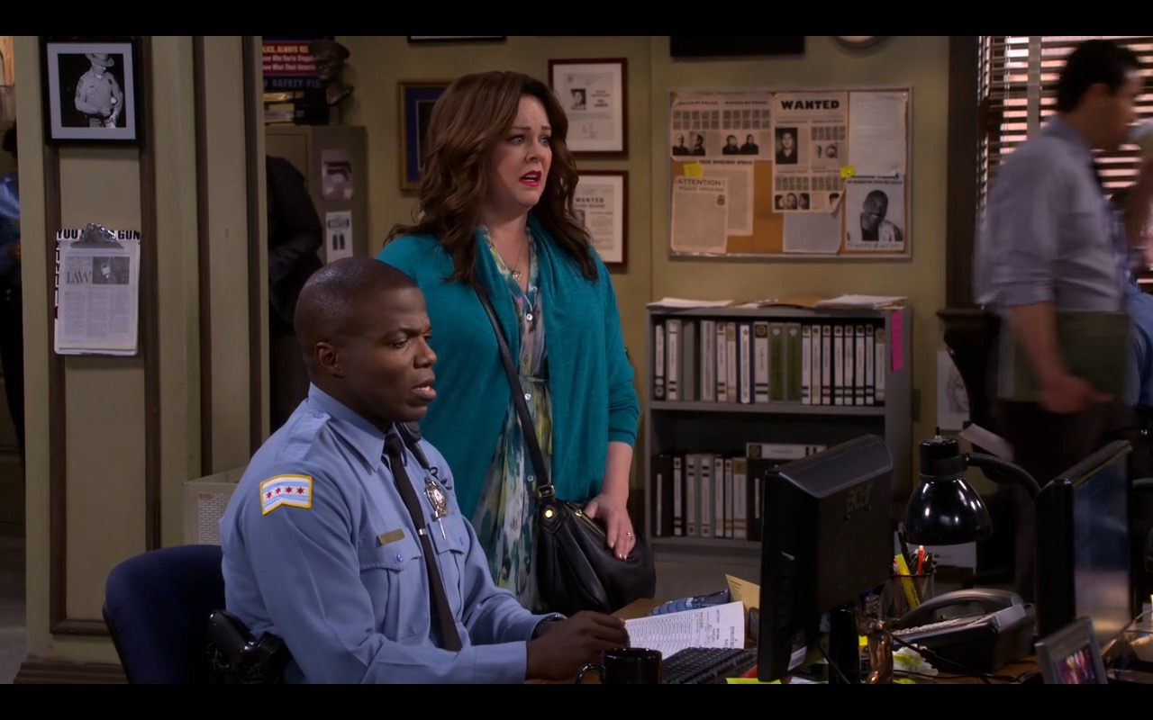 Acer Monitor - Mike & Molly - TV Show Product Placement