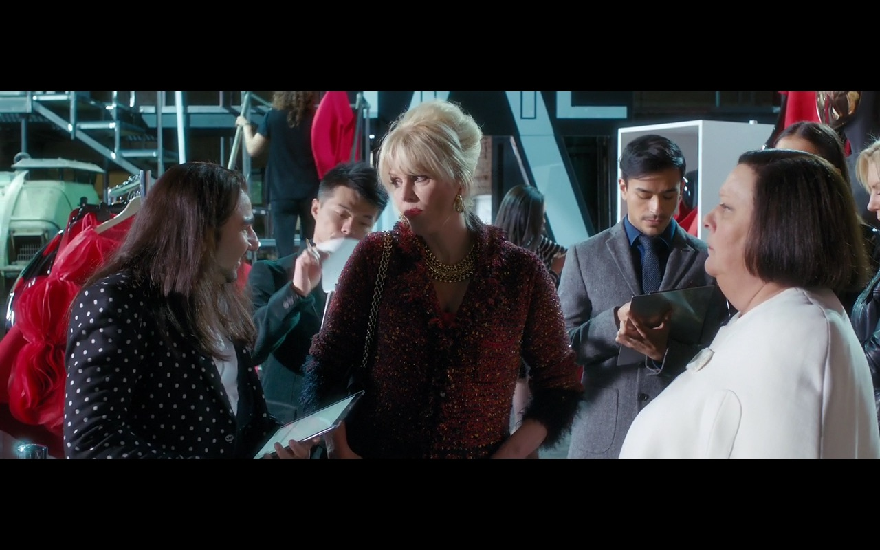 Apple iPad – Absolutely Fabulous: The Movie (2016) - Movie Product Placement