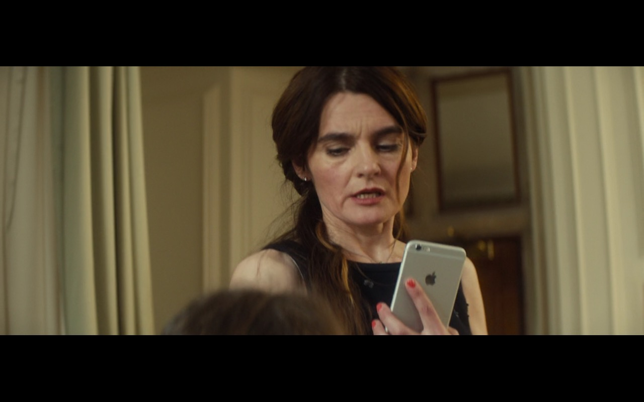 Apple iPhone 6/6s Plus – Bridget Jones's Baby (2016) Movie Product Placement