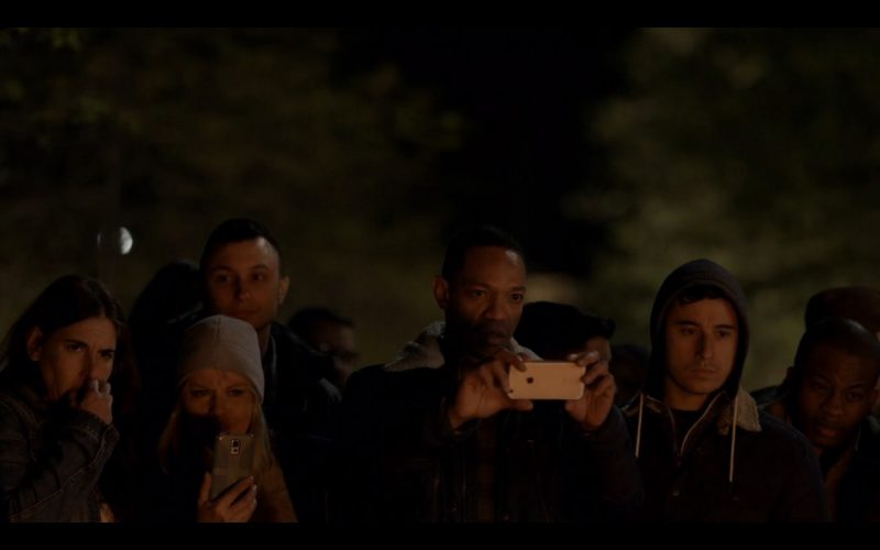Apple iPhone 6/6s - Mr. Robot TV Show Product Placement