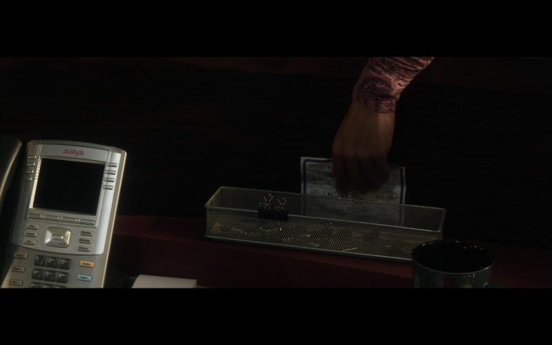 Avaya Phone – The 9th Life of Louis Drax (2016)