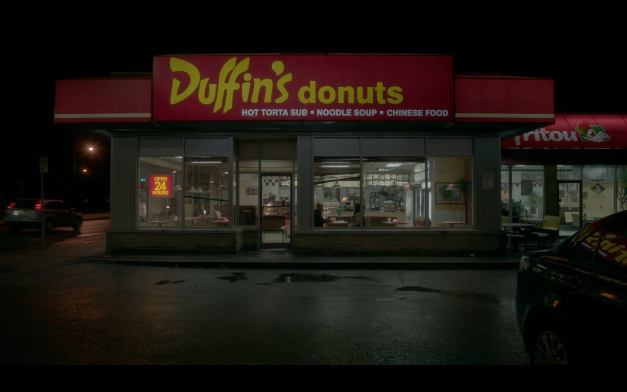 Duffin's Donuts – The Edge of Seventeen (2016) - Movie Product Placement
