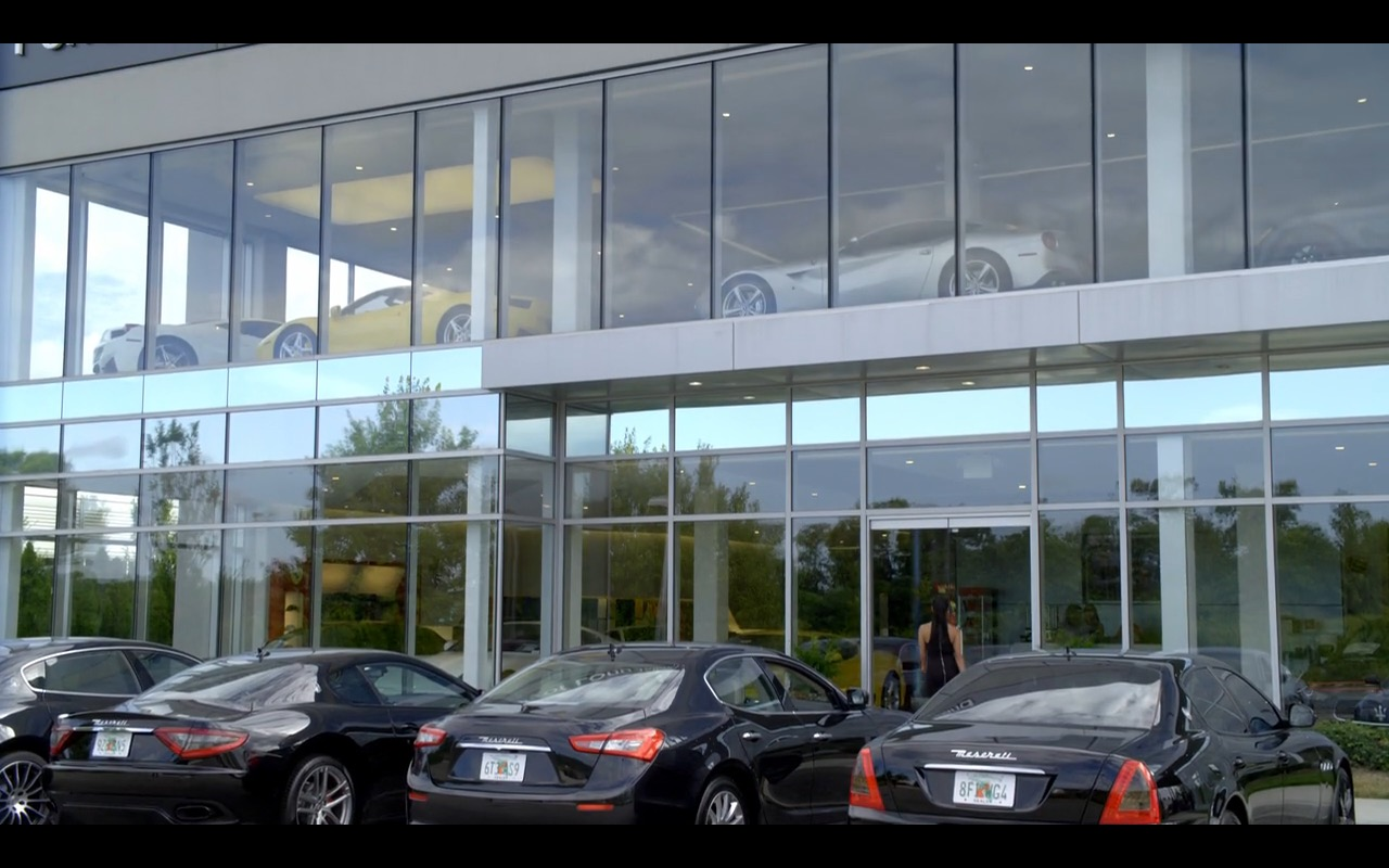 Ferrari And Maserati - Orange is the New Black - TV Show Product Placement