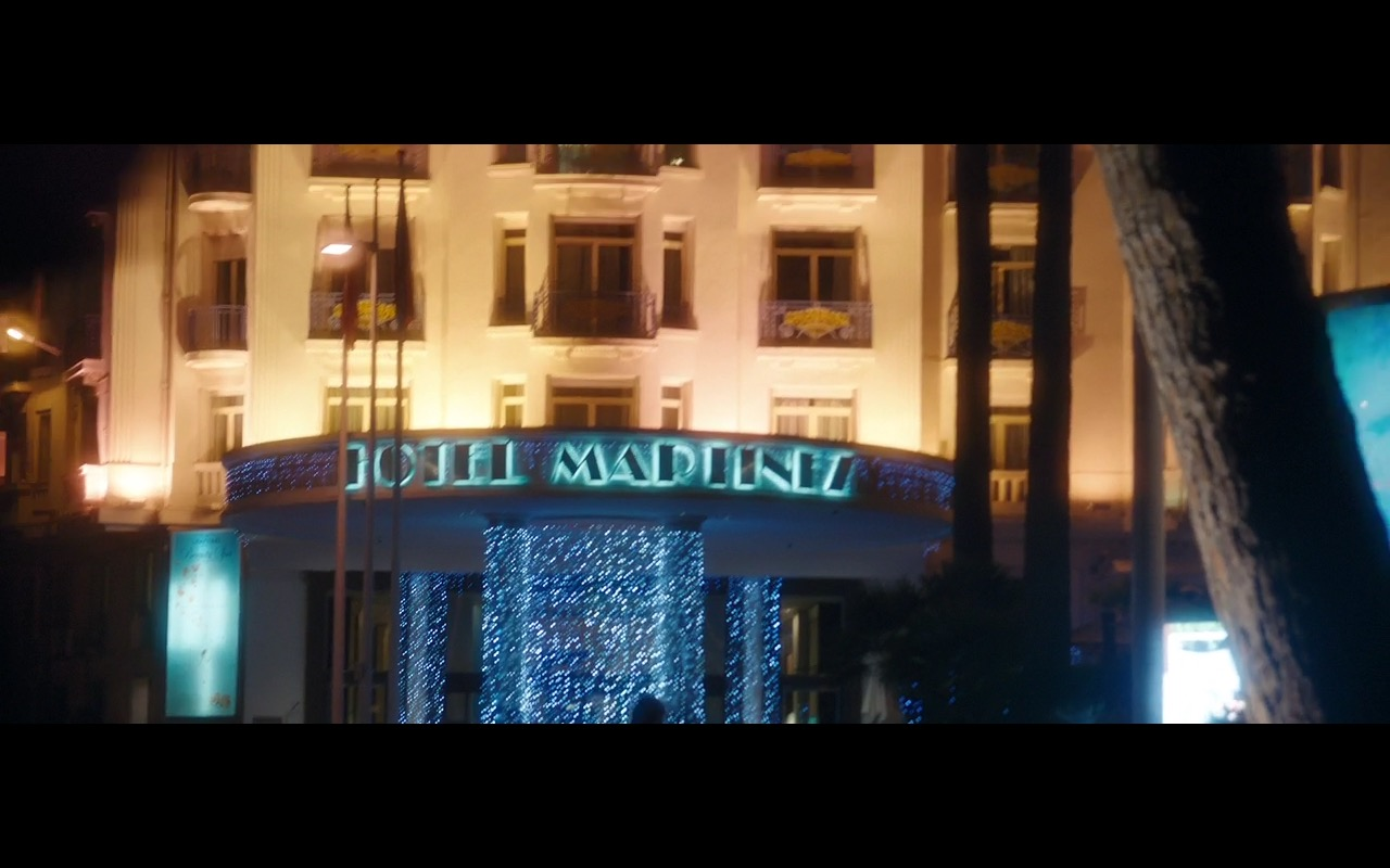 Grand Hyatt Cannes Hôtel Martinez  – Absolutely Fabulous: The Movie (2016) Movie Product Placement