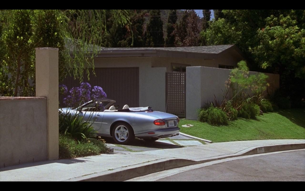 Jaguar XK8 - Zero Effect (1998) Movie Product Placement