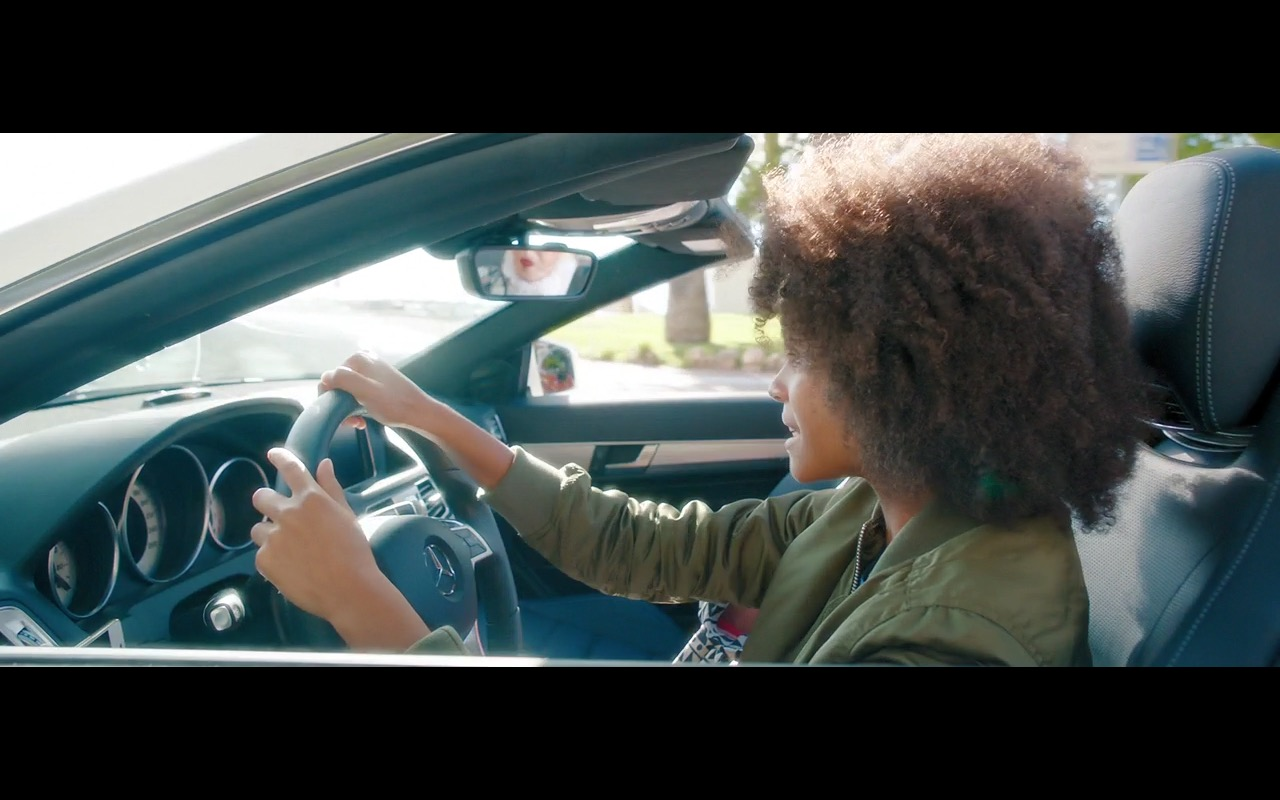 Mercedes-Benz E-Class – Absolutely Fabulous: The Movie (2016) Movie Product Placement