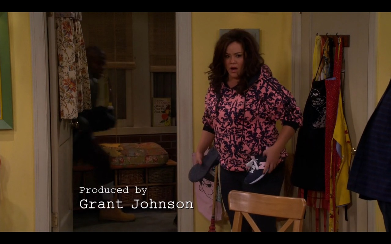 New Balance Sneakers - Mike & Molly - TV Show Product Placement
