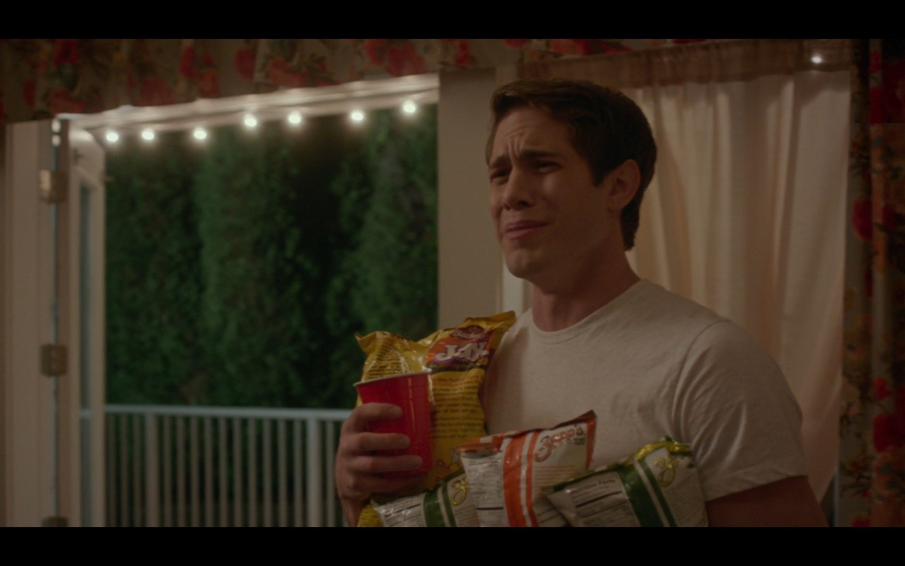 Zapp's Potato Chips – The Edge of Seventeen (2016) Movie Product Placement