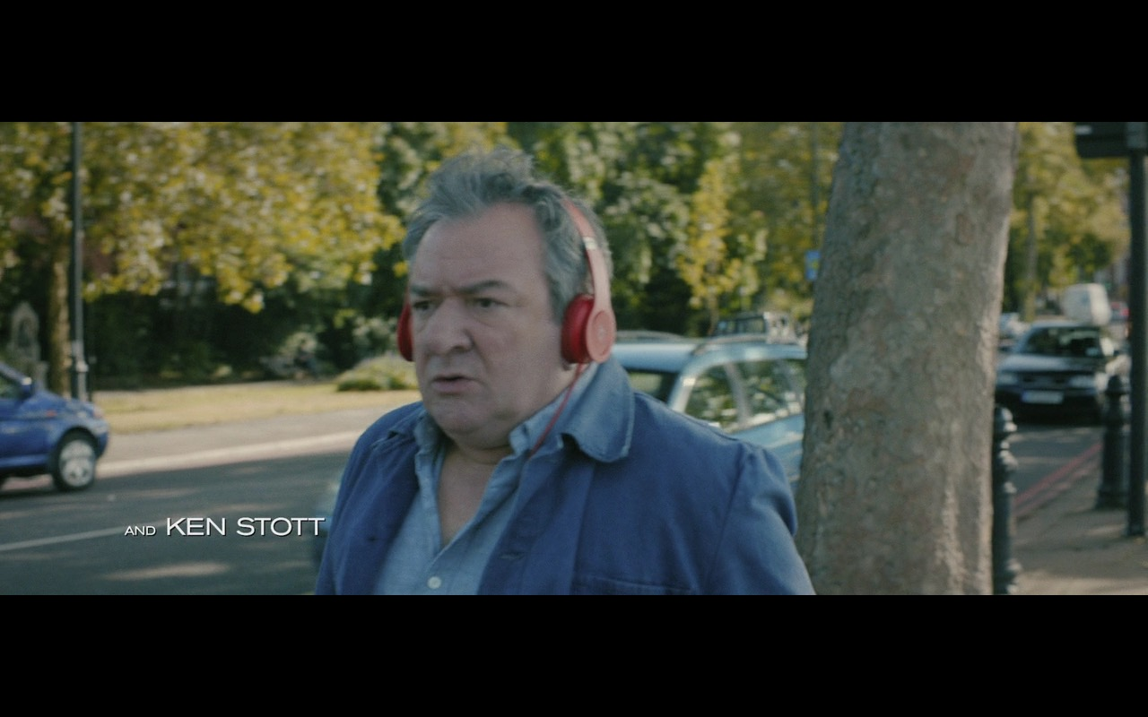 Red Beats Headphones – 100 Streets (2016) Movie  Product Placement Review