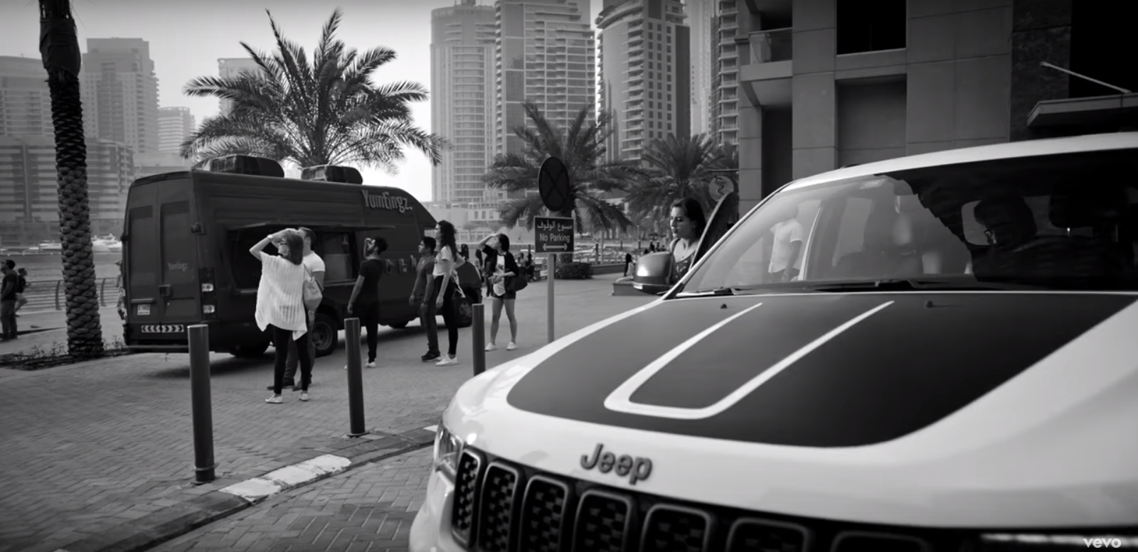 Jeep Grand Cherokee - Imagine Dragons - Thunder Official Music Video Product Placement