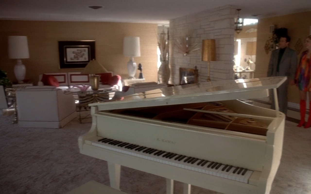 Kawai piano in CASINO (1995) - Movie Product Placement