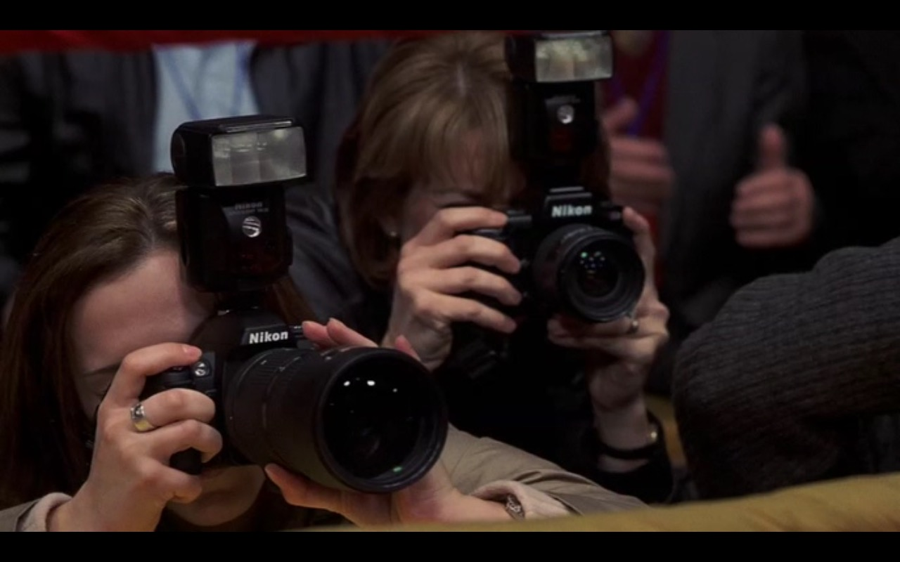 Nikon Photo Camera - I Spy (2002) Movie Product Placement