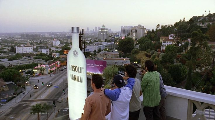 Absolut Vodka billboard in ENTOURAGE: THE SCENE (2004) TV Show Product Placement