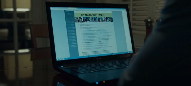 Acer laptop in HOUSE OF CARDS: CHAPTER 44 (2016) TV Show Product Placement