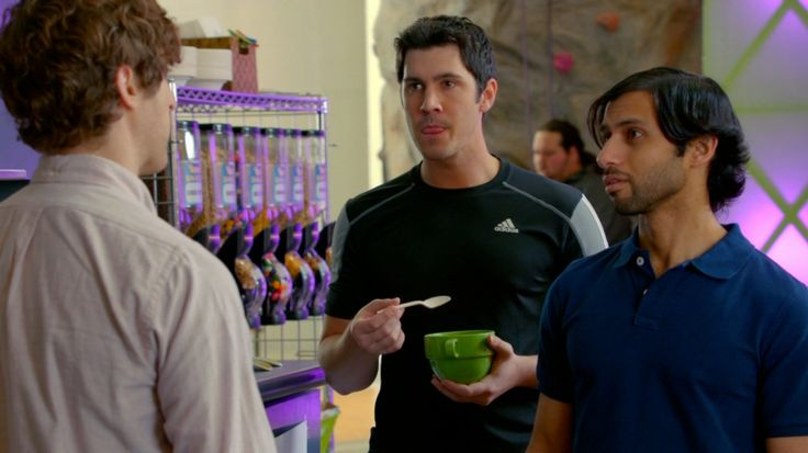 Adidas T-Shirt - SILICON VALLEY TV Show  Product Placement Review