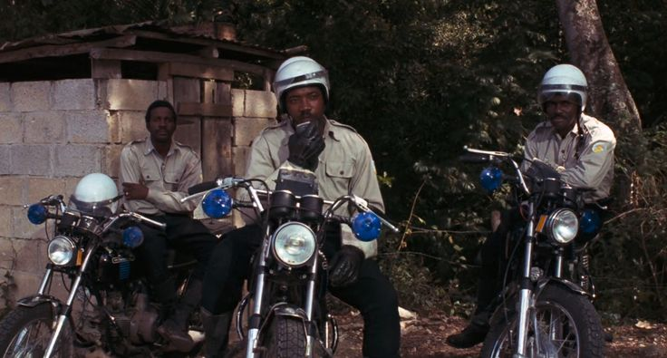 Aermacchi Harley-Davidson 350 SS (1973) motorcycles in Live and Let Die (1973) Movie Product Placement