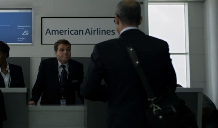 American Airlines desk in HOUSE OF CARDS: CHAPTER 20 (2014) TV Show Product Placement