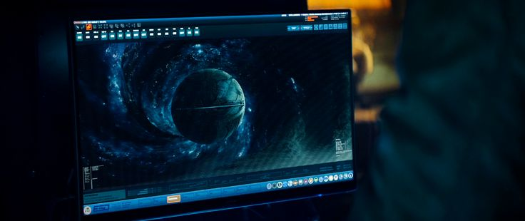 AOC monitor in Independence Day: Resurgence (2016) - Movie Product Placement