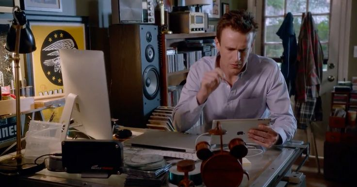Apple iMac computer, Macbook laptop and iPad tablet - Sex Tape (2014) Movie Product Placement